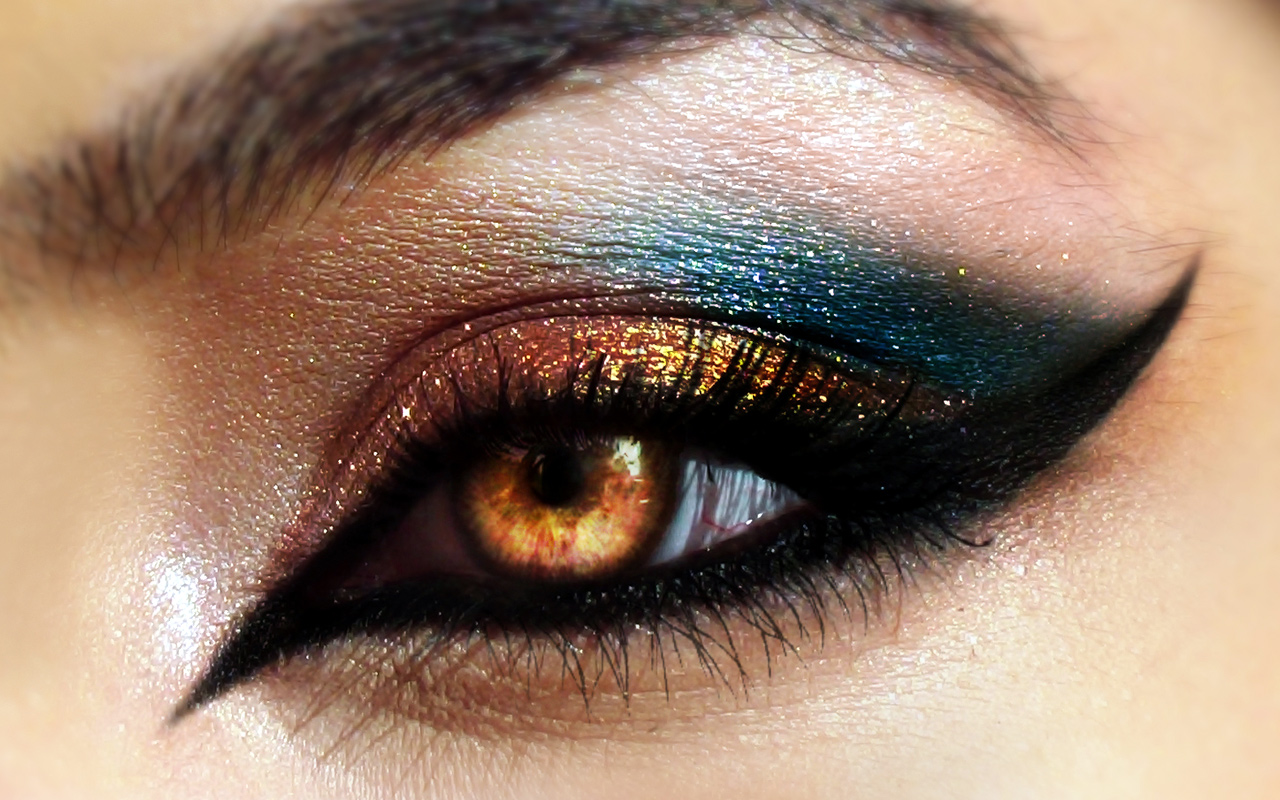 Go Bold With These Different Styles Of Eyeliner